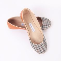 A flattering combination of preppy and flirty, these flats give you an A+ in style.
