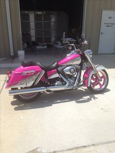 Love the way this is two toned.  Hate the pink.  This is what I want to do to mine but mine is blue