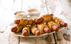 Pølser i frakk Pretzel Bites, Tea Party, Sausage, Tin, Bread, Fruit, Ethnic Recipes, Food, Birthday