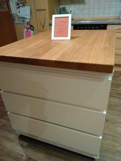 Unsere neue Kücheninsel.  Bauanleitung  bei http://miss-zuckerfee.blogspot.de    Tolle Kücheninsel mit insgesamt 6 Schubladen günstig selber bauen