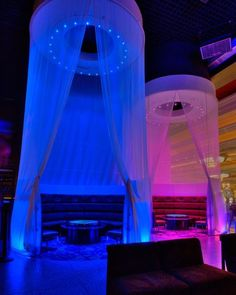 (Ideas for bar area). LED Lounge lighting - Philips Color Kinetics at eyecandy sound lounge and bar Photo Credits: Jeff Meyer Bar Lounge, Hookah Lounge Decor, Lounge Club, Lounge Lighting, Club Lighting, Lounge Design, Design Table, Lounge Seating, Interior Lighting