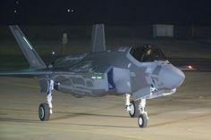 Primeiros caças invisíveis F-35 aterrissam em Israel https://br.noticias.yahoo.com/primeiros-ca%C3%A7as-invis%C3%ADveis-f-35-aterrissam-israel-193902006--sector.html