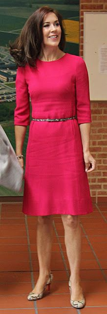 Royals & Fashion - Princess Mary visited Aarhus hospital as patron of the Heart Foundation.