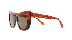 VANNI SOLE: Una collezione ideata per chi desidera un occhiale da sole che si fa vedere, per guardare, ed essere visti. #atouchofvannity #occhialidasole https://nemb.ly/p/HJ8eGzB0e Pubblicato in un lampo con Nembol