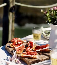 iberico-ham-and-garlic-toasts