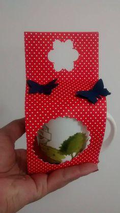 Porta caneca - pode ser usada como convite ou lembrancinha de chá