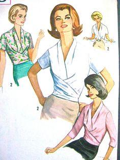 Ungeschnittene Vintage Anfang der 60er Jahre oder späten 50er Jahre Einfachheit 5018 Draped Bluse Muster Büste 32 Zoll  Taille 25  Hüfte 34    Damen