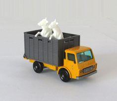 Vintage Lesney Matchbox 37 Cattle Truck Regular Wheels Tow Guide Cattle on Sprue #MatchboxLesney #Dodge