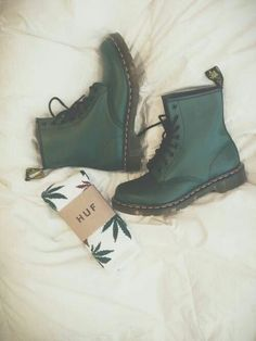 Imagem de green, shoes, and boots