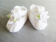 chaussures pour baptême ou cérémonie de mariage ( livraison gratuite vers France métropolitaine ) : Mode Bébé par bebe-chou-by-estefan Baby Shoes, Creations, France, Crochet, Kids, Etsy, Fashion, Baby Puffs, Bebe