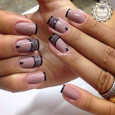 Nails #linda #nude #francesinha #preta #filha #única #xadrez #madahsantana #manicure #nailart #naoéadesivo #tudofeitoamaolivre #traçolivre #amooquefaço ❤️