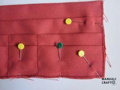 Manualicraft - Costura creativa: Funda portadocumentos de viaje. Tutorial Deco, Bag, Scrappy Quilts, Wallets, Fabric Wallet, Drawn Thread, How To Sew, Decor, Deko