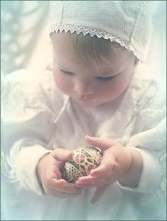 Wishing you Happy Easter with new joys and new promises… and blessed with love and happiness! <3  // Photography by Monica R // .. ❥ ♥ღɱɧღ