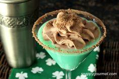 st patricks day mint chocolate cookietini....