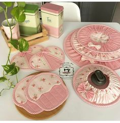 Asian Bridal Dresses, Cute Kitchen, Diy Ribbon, Potholders, Sewing Projects For Beginners, Diy Flowers, Sewing Patterns, Napkins, Diy Crafts