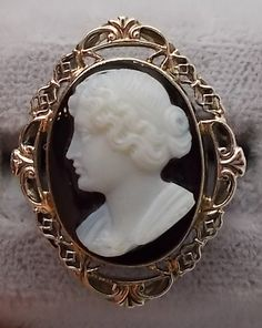 18K white gold ring with a hard stone cameo set in a beautiful carved Filigree ca. 1920s #antique #ring #cameo