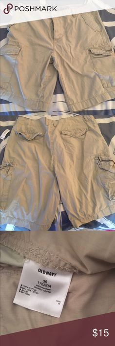 Men's Old Navy cargo shorts These tan old navy cargo shorts have ever been worn, they have sat in the closet for a year untouched! Old Navy Shorts Cargo
