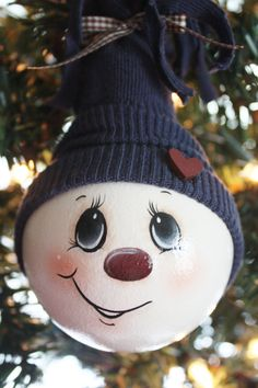 Main peinte, gros, bleu marine, bonhomme de neige, ampoule Ornament