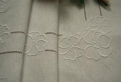 hand embroidery designs for bed sheets - Hľadať Googlom