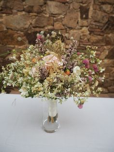 Montana, Glass Vase, Table Decorations, Photo And Video, Instagram, Home Decor, Wedding Bouquets, Atelier, Boyfriends