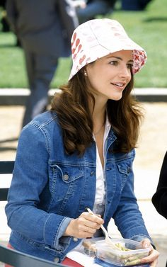 Throwback Thursday: Kristin Davis sporting some Orla Kiely in an episode of Sex and the City #tbt