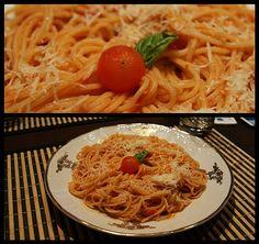 Rychlá večeře, když doma skoro nic není, jen hlad:o))   Dejte si vařit špagety do osolené vroucí vody.  Spařte hrst rajčátek a oloupejte j...