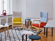 Hella Jongerius Reinterprets Alvar Aalto for Artek – Design & Trend Report Ikea Poang Chair, Chaise Ikea, Chaise Bar, Ikea Chairs, Ikea Bar, Alvar Aalto, Home Furniture, Outdoor Furniture Sets, Scandinavia Design