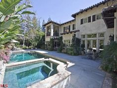 #BritneySpears' Former Beverly Hills Villa: Pool and Spa>> http://www.frontdoor.com/photos/tour-britney-spears-beverly-hills-home-for-sale?soc=pinterest