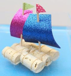 sløyd ideer for barn Boat Crafts, Ocean Crafts, Summer Crafts, Toddler Crafts, Diy Crafts For Kids, Easy Crafts, Indoor Activities For Kids, Craft Activities, Kindergarten Crafts