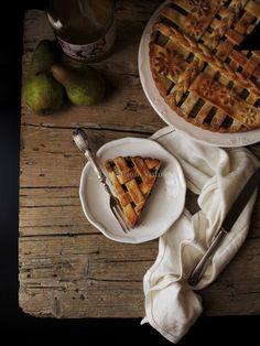 Crostata con ricotta, cioccolato e pere