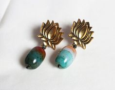 Your place to buy and sell all things handmade Earrings Handmade, Women's Earrings, Handmade Jewelry, Bold Rings, Agate Ring, Green Agate, Filigree Ring, Agate Beads, Stone Rings