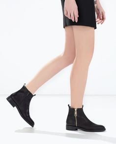 Image 3 of BASIC LEATHER ANKLE BOOTS from Zara