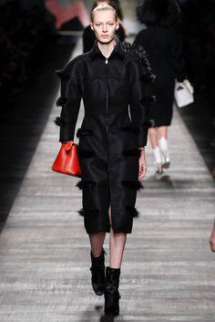 #Fendi #FW2014_15 #trends #furry #red #Catwalk #MFW #Milan #in