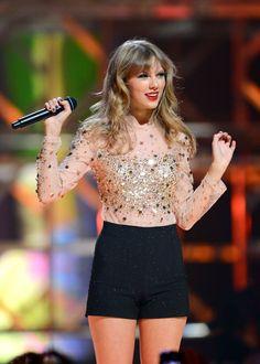 Taylor Swift x Estilo Taylor Swift, Long Live Taylor Swift, Taylor Swift Hot, Taylor Swift Style, Taylor Swift Pictures, Red Taylor, Lady Gaga, Cultura Pop, My Idol