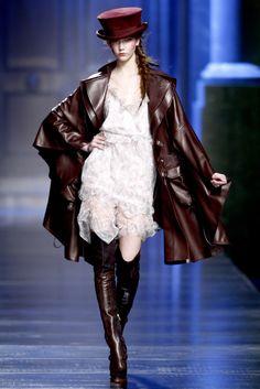 Karlie Kloss au défilé Christian Dior automne-hiver 2010-2011