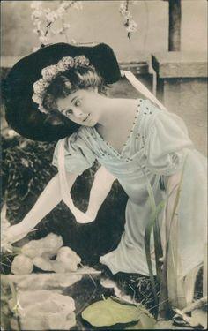 ... Vintage postcard, Real photo tinted lady, Papier Radium Brom