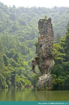 Stunning Elephant Rock sculpture, India Wendy, not for painting but look! It's your elephant. Ok we have to go back! Places To Travel, Places To See, Places Around The World, Around The Worlds, Amazing Pics, Beautiful Pictures, Amazing Artwork, Awesome Art, Adventure Is Out There