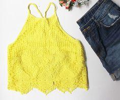 Look Poire do dia: fresh and sweet! Nosso cropped amarelo de guipir com o short jeans, que vem com lavagem atemporal e detalhes ripped.  #temnapoire #poire #ootd #instafashion #instamood