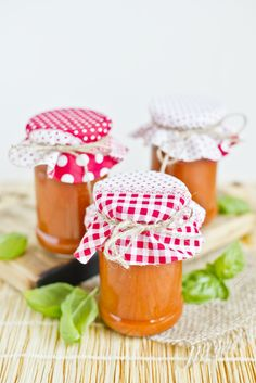 przecier pomidorowy z bazylią i czosnkiem