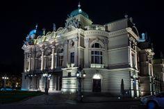 Slowacki Theatre at night. Krakow Poland, Scion, Creative Photos, Theatre, Beautiful Places, Mansions, Landscape, Night, House Styles