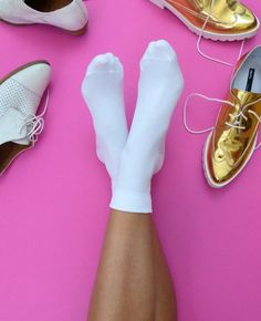 """@sarikathakorlal: """"I've searched high and low for the perfectly preppy, white-than-white ankle socks [and] I've finally found The Ones. Thanks Hot Sox. #HomeInHotSox"""