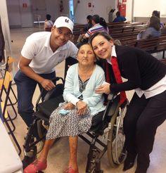Maria Bezerra, de 80 anos de idade, é mãe da funcionária Raquel, do Poupatempo Tatuí. Ela foi ao posto acompanhada pelo genro fazer a 2ª via do RG. Ambos aproveitaram para conhecer o ambiente de trabalho da Raquel e provar que, sim, #ExisteAmornoPoupatempo. Siga o exemplo de cidadania de Maria Bezerra e mantenha a documentação sempre atualizada.