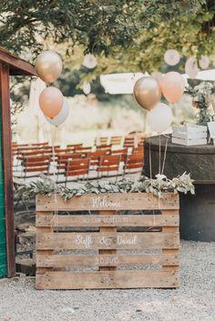 Fall Wedding Arches, Outdoor Wedding Reception, Indoor Wedding, Wedding Table, Rustic Wedding, Gold Wedding, Pallet Wedding, Wedding Decorations On A Budget, Decor Wedding