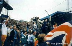 The Firms internet archive of retro football hooligan pictures, below are photos with Tags of 'Portsmouth'. Football Firms, Uk Football, Retro Football, Chelsea Fc, Portsmouth, Photo Archive, Great Britain, Old School, Fans