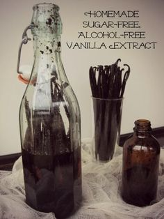 Alcohol Free Vanilla Extract - This recipe uses vegetable glycerin instead of alcohol. Some people have objections to using alcohol, so I found this and thought maybe it could be an option. Vanilla Extract Without Alcohol, Sugar Free Vanilla Extract, Vanilla Extract Recipe, Homemade Alcohol, Homemade Spices, Sugar Free Alcohol, Grain Alcohol, Spice Mixes, Gastronomia