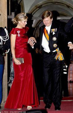 http://princessmonarchy.eklablog.com/soiree-diplomatique-au-palais-royal-a-amsterdam-a125956290