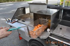 Single basket fryer on a TD 24 model cart - Sweet potato fries - TopDogCarts.com