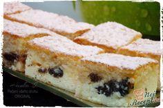 Minimálně jeden kousek ke kávičce. Křehký tvarohový koláček s mákem a povidly. Před podáváním ho nezapomeňte poprášit moučkovým cukrem. Je to dobrůtka. Autor: Haanka