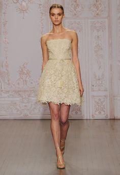 Short Lace Wedding Dress   Monique Lhuillier Fall 2015   blog.theknot.com