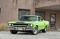 1970 Plymouth Roadrunner I owned one of these bad boys. Mine was white and Gold, 383 Cubic inches, speed with Hurst Pistol grip shifter